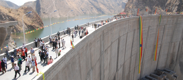 Giant Ethiopian dam at center of  river Nile controversy.