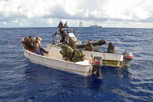 Dutch fighters capture Somali Pirates