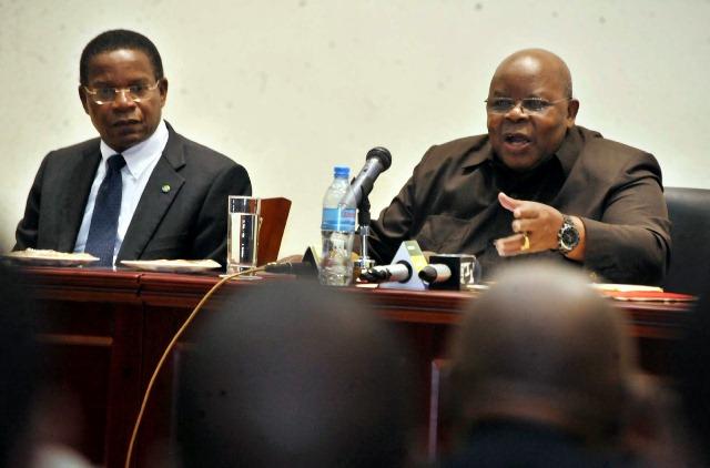 Former Tanzania President Benjamin Willian Mkapa (R) Responds to questions