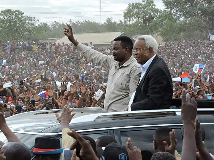 Edward Ngoyai Lowasa (in black jacket) Enters Campaign ground in Arusha with Godbless Lema
